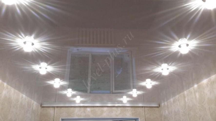 Глянцевый потолок спальня Нефтеюганск