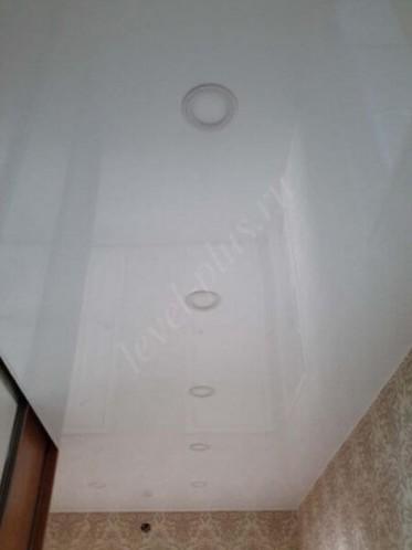 Коридор глянцевый потолок в Нефтеюганске