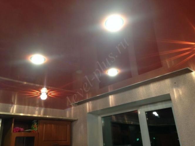 Кухня глянцевый потолок Нефтеюганск