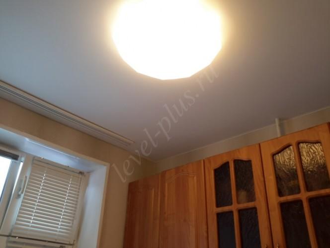 Матовые натяжные потолки кухня саратовка