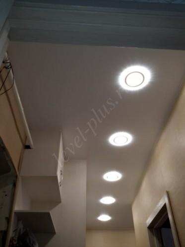 Сатиновые натяжные потолки коридор