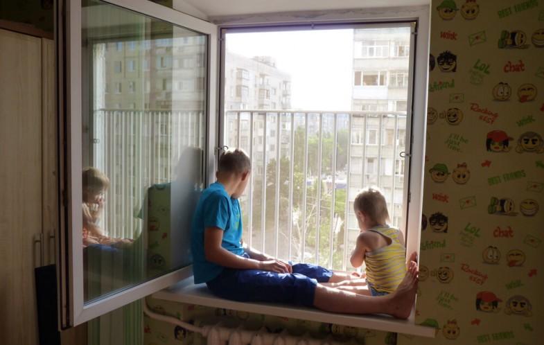окна в детскую с замком